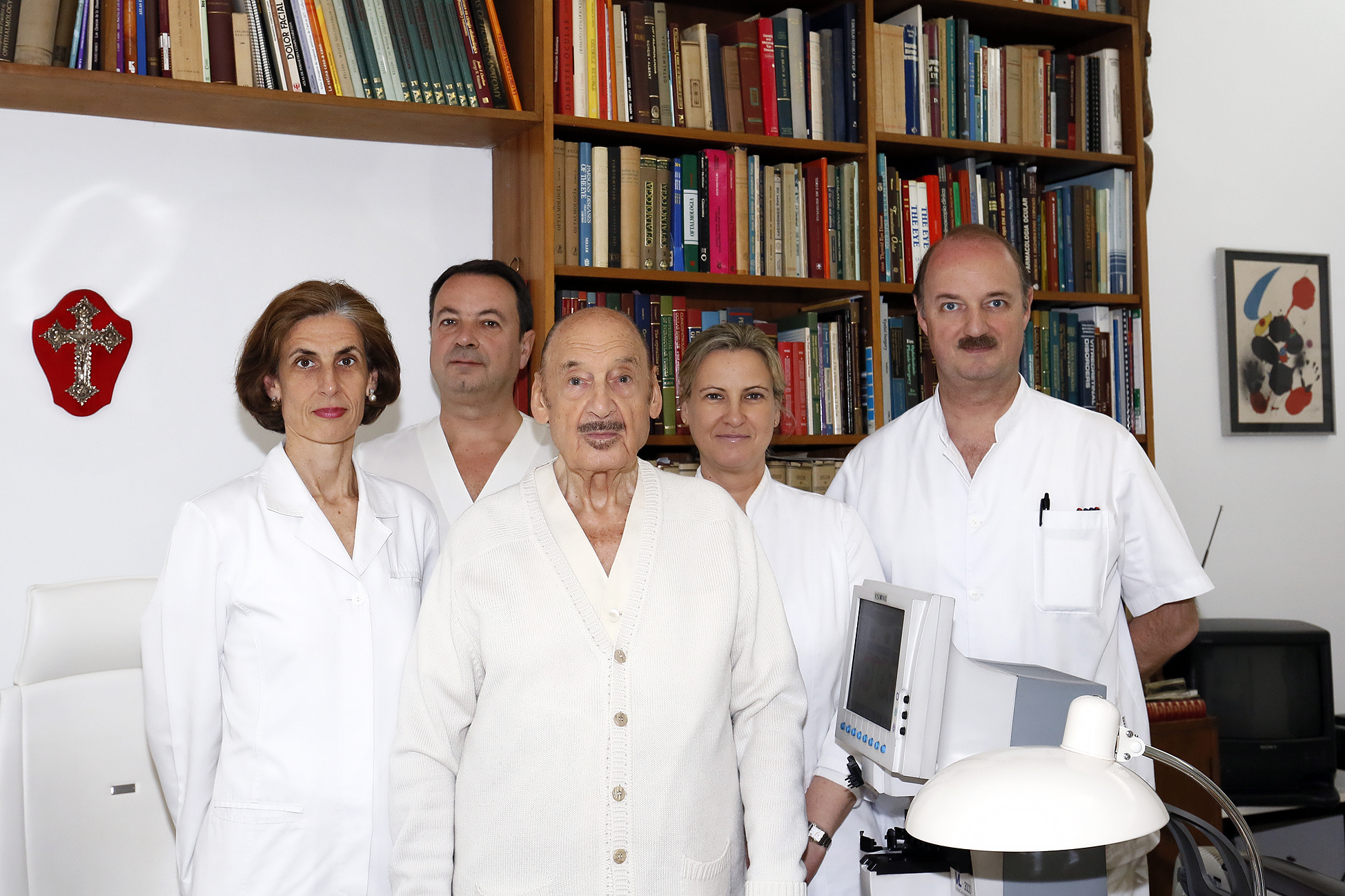 José María Simón explains the successful cataract surgery that restored the vision and power to John II of Aragon
