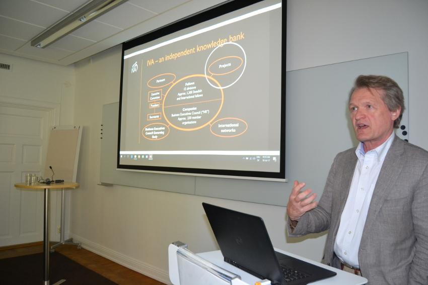 Vicepresidente del IVA Dr. Magnus Breidne