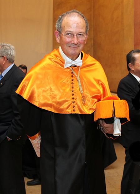 Dr. Luis Pons Puiggrós, en su acto de ingreso en la RAED