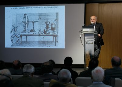 "Conferencia del Dr. Erwin Neher en Cajasol (Sevilla) - programa ""Talento Nobel"""