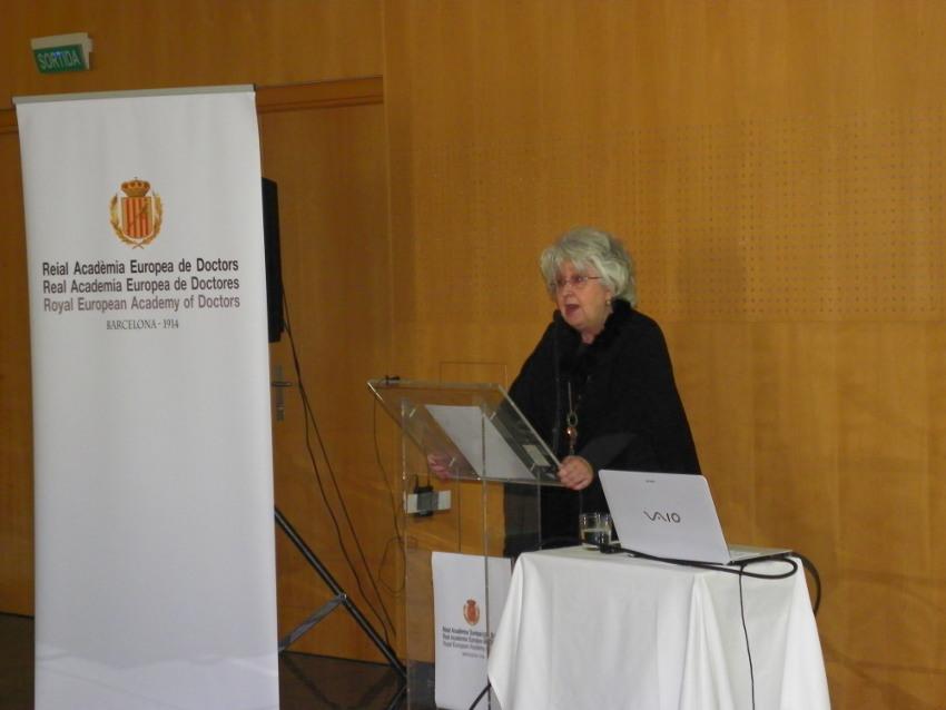 Conferencia de Teresa Freixes en Vichy Catalán