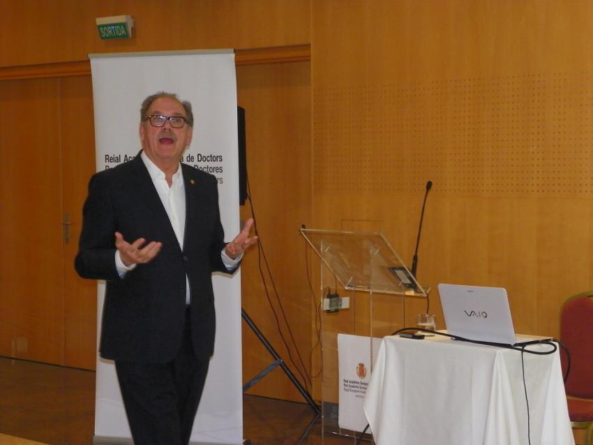 Conferencia de Alfredo Rocafort en Vichy Catalán