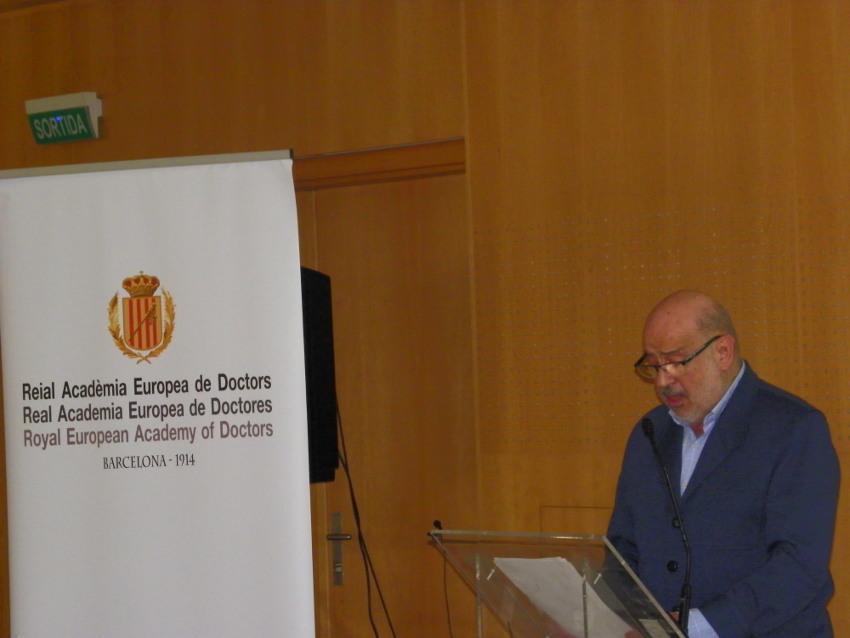 Conferencia de Xabier Añoveros en Vichy Catalán