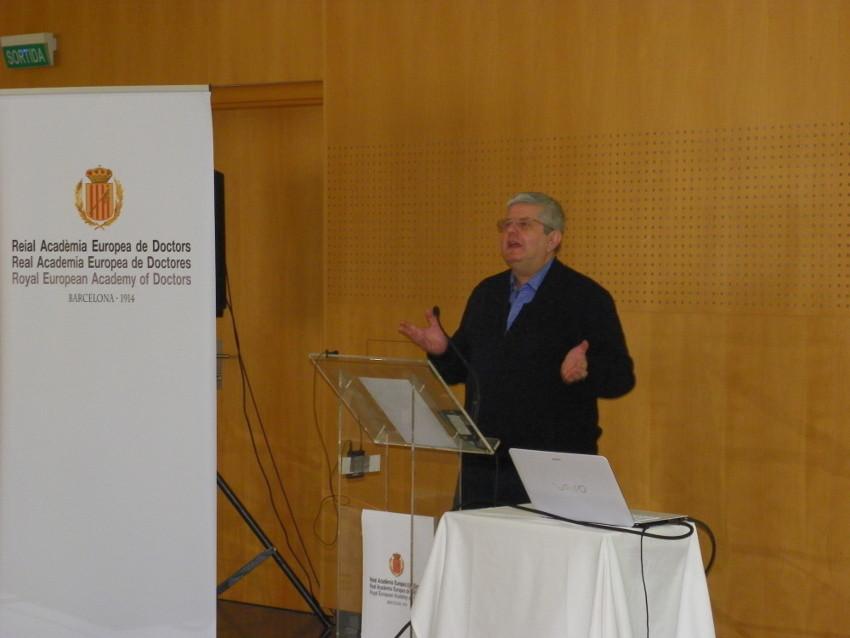 Conferencia de José Ramón Calvo en Vichy Catalán