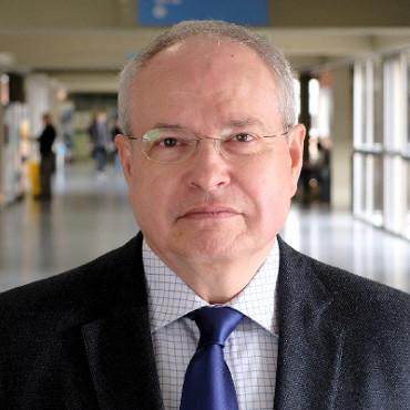 Dr. Agustín Moreno