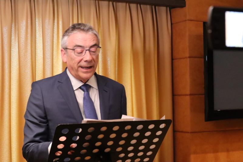 """El Dr. Frederic Borràs Pàmies en su ponencia """"Nuevas bases para la información financiera"""""""