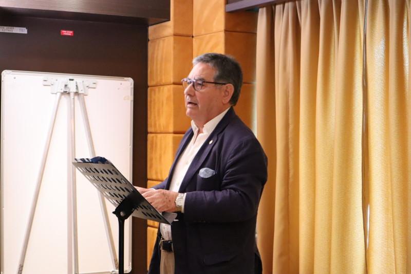 """El Dr. Jose Luis Salido en su ponencia """"La huelga política. Necesidad de clasificación"""""""