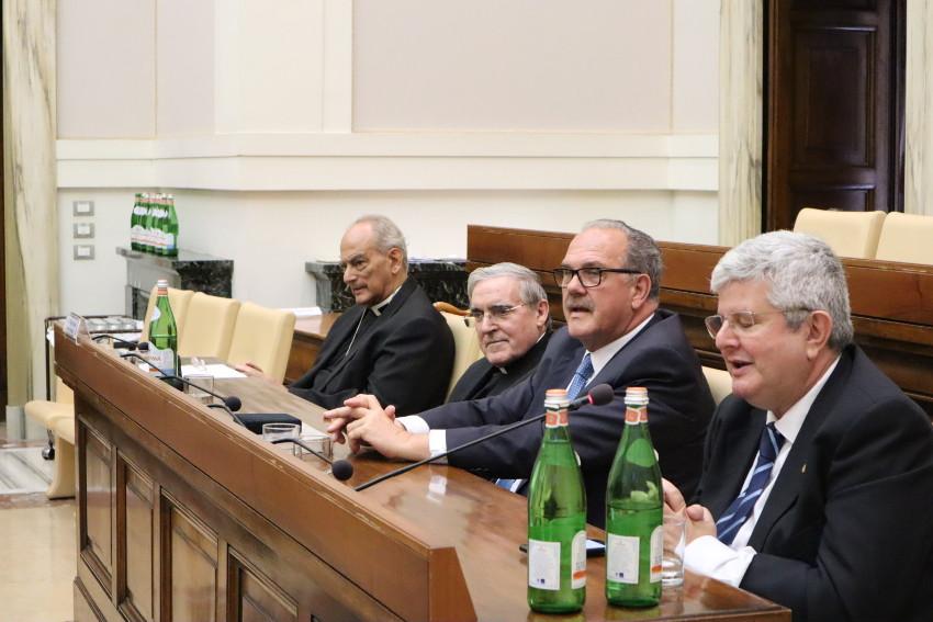 Dialogo académico en la Pontificia Academia de las Ciencias