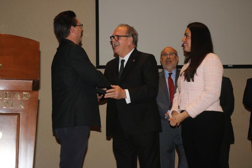 Enntrega de premios RAED a tesis doctorales. Coahuila, México