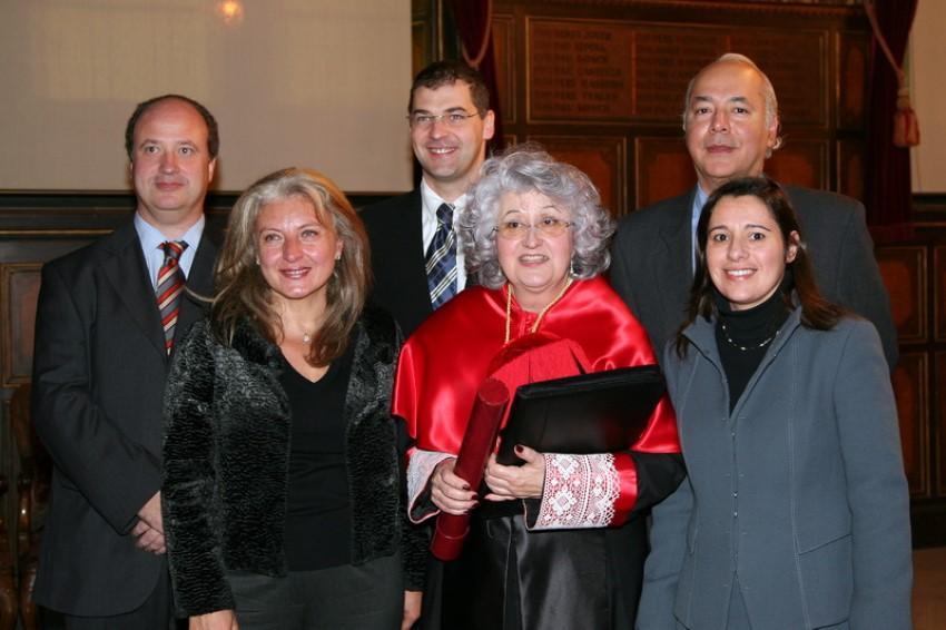 Dra. Teresa Freixes Sanjuán