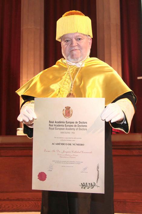 El Dr. Joaquín Callabed ingresa en la RAED