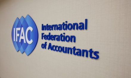 Un auditor global