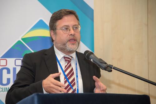 Dr. Santiago J. Castellà