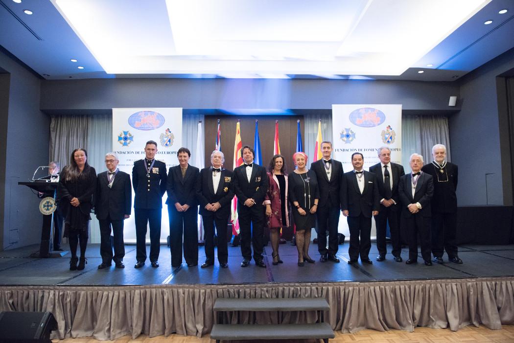 Placa de honor AEFE a Pedro Claros Blanch y a José Daniel Barquero