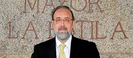 Dr. Daniel Turbón