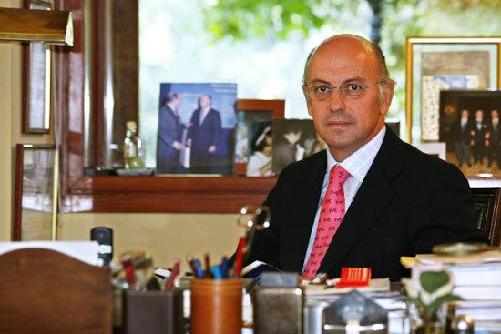 Dr. Aldo Olcese