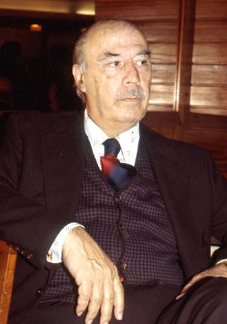 Dr. Guillermo Díaz Plaja