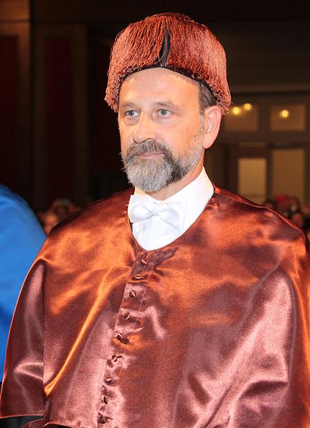 Emilio Gil Moya