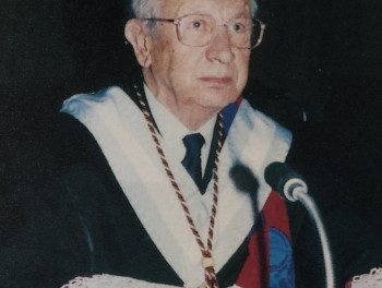 Academicians of our centennial history: Juan Antonio Samaranch Torelló