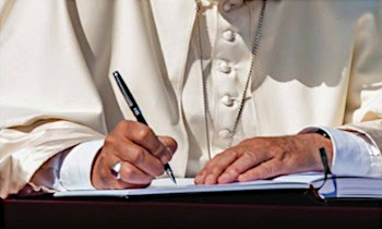 El «Diccionario Bergoglio» se abre al mundo