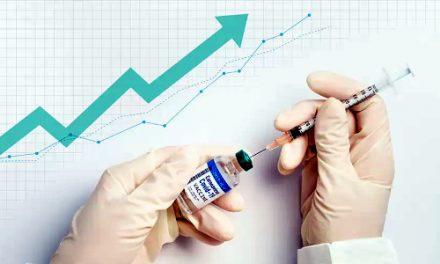 Acelerar la vacunación es la mejor política económica que se puede hacer