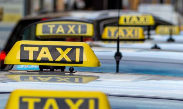 Taxis cardioprotegidos gracias a Barcelona Salud y los profesionales del sector